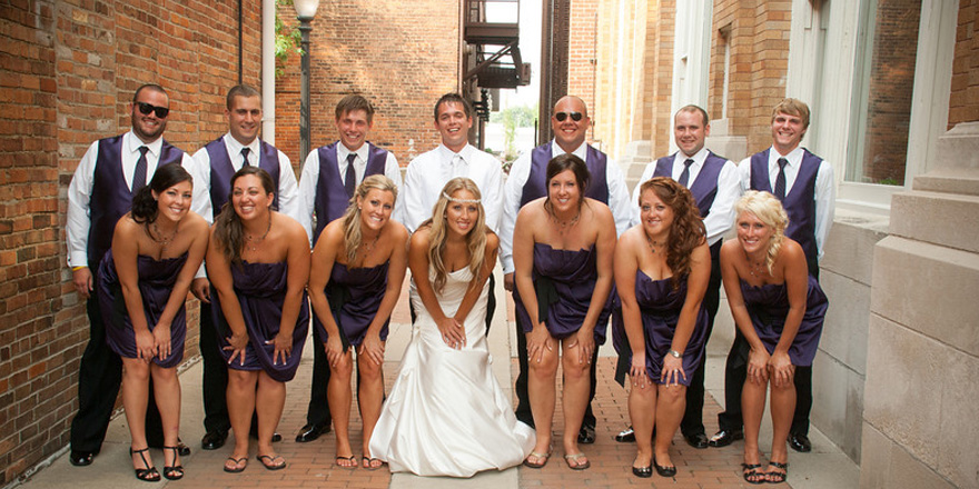 bridal-party-photo-alley