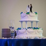 wedding-cake-with-statues